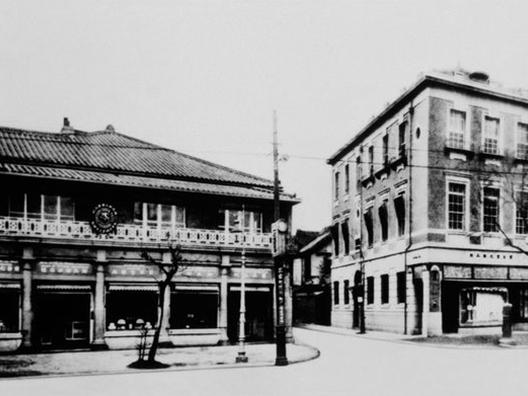 1916-history-image